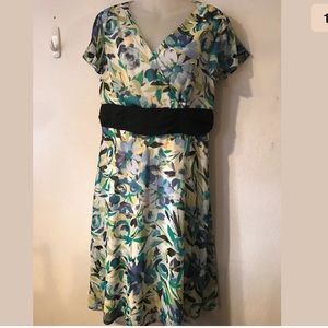 FASHION BUG summer dress size 6 floral